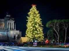 Rome seeks sponsor for Christmas tree
