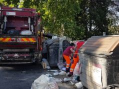 Rome trash workers shot with air rifle