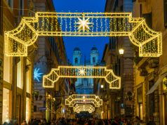 Covid-19: Italy bans travel over Christmas holidays