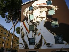 Rome remembers Gigi Proietti with street art