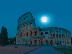 Rome's Colosseum offers virtual moonlit visit