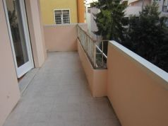 San Saba - 4 bedroom semi-furnished flat for rent