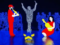 Italy: Uffizi lights up with pop star Christmas Nativity scene