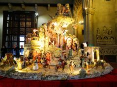 Italy: Naples displays pizza Nativity scene for Christmas