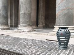 Rome rolls out new-look trash bins in the centre