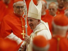 Pope orders pay cuts for cardinals to save Vatican jobs