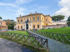 Italy scraps weekend reservations for small museums