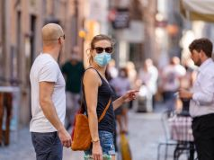 Covid-19: Italy to drop outdoor mask-wearing rule