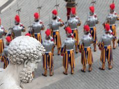 Three Swiss Guards quit Vatican to avoid covid vaccine