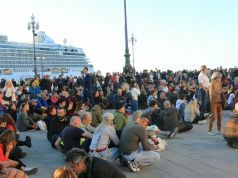 Italy: Trieste dockers continue Green Pass protest ahead of talks with minister