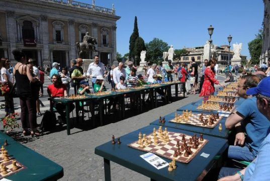 Outdoor chess in Rome