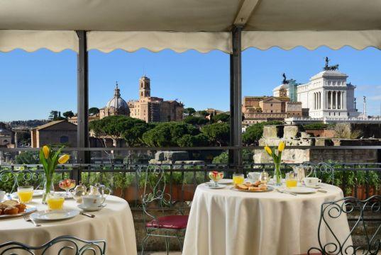 Hotel Forum Roof Garden Restaurant