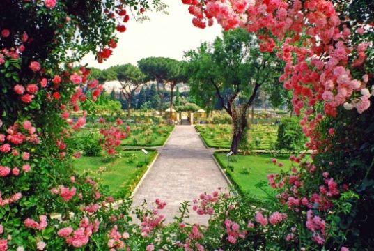 Rome's rose garden opens in October
