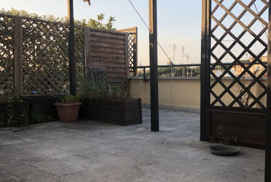 Monti - 1 bedroom with terrace (above)