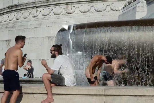 Rome mayor writes to ambassadors over tourist vandals