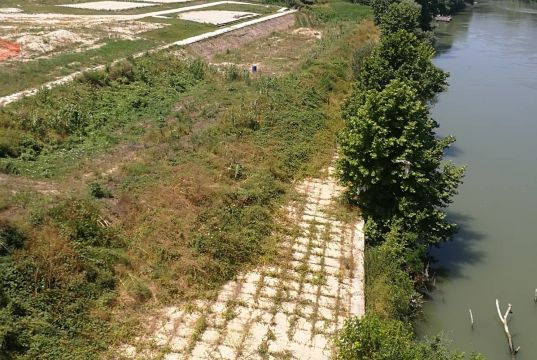 Rome seeks sponsors for riverside beach
