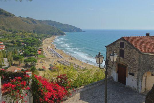 Top 10 beaches near Rome