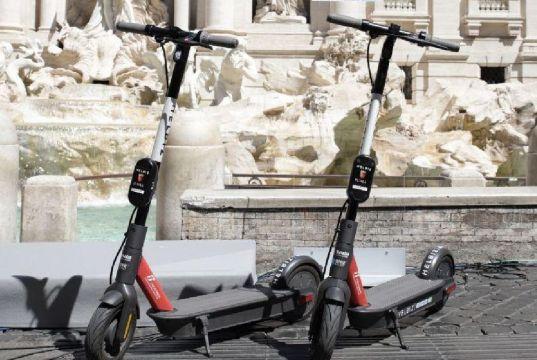 Rome launches 1,000 Helbiz electric scooters
