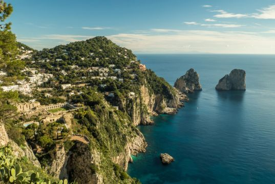 Covid-19 in Italy: Tourists visiting Capri must wear masks in public