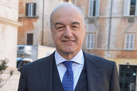 Italy's centre-right unveils candidate in race for Rome mayor
