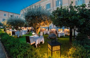Garden restaurant on Rome's Palatine Hill