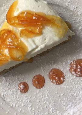 Cheesecake al cioccolato bianco e zest di arancia