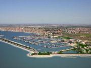Police impound Fiumicino marina site