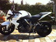 White motobyke HONDA CB100R