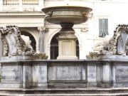 Cleaning Rome's fountains