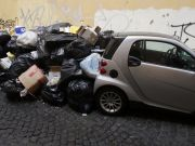 Rubbish piles up in Rome