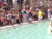 Tourists face hefty fines for Rome fountain dips