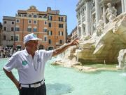 Rome limits tourist numbers at Trevi Fountain