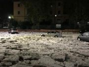 Violent storm causes widespread flooding in Rome