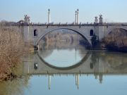 Safety fears for Rome bridge