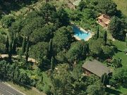 TESTA'S COTTAGE OF ROME EXCLUSIVE USE OF SWIMMING POOL + TREEHOUSE