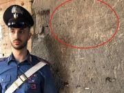 Student defaces Rome's Colosseum
