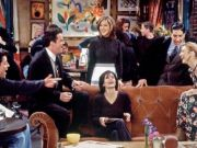 Couch from Friends comes to Rome