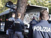 Rome bus crash: driver on phone say passengers
