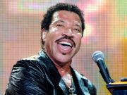 Vatican Christmas concert: Lionel Richie and Bonnie Tyler