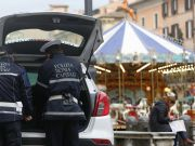 Rome police close Christmas market in Piazza Navona