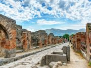 How to get to Pompeii from Rome and back