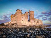 Rome: mediaeval castle on a beach: photo contest