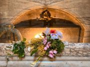 Italy lays flowers at Raphael's tomb in Pantheon