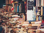 Rome postpones reopening of bookshops