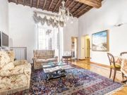 Flat for rent near Fontana di Trevi