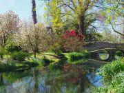 Dylan Thomas poetry in Gardens of Ninfa