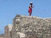 Italy: Tourist climbs onto roof of Pompeii baths for selfie