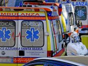 Covid-19: Italy's doctors call for total lockdown