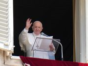 Pope Francis 'responds well' to surgery in Rome hospital