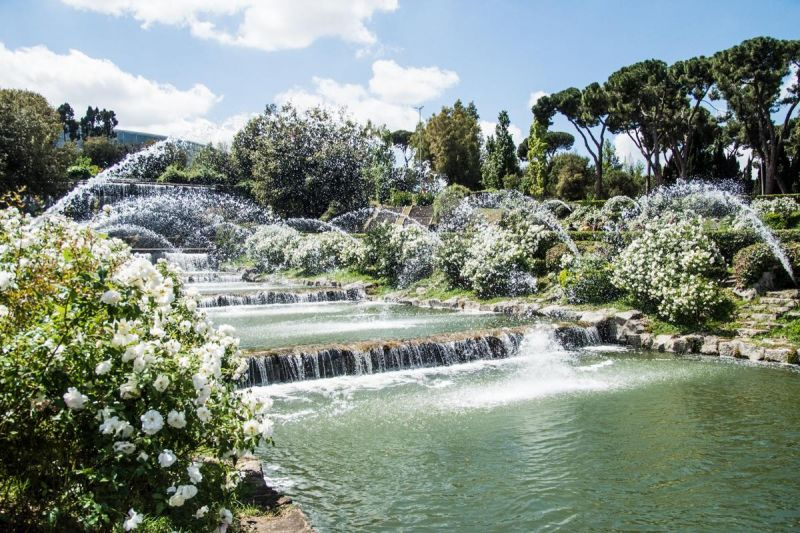 Rome 39 s waterfall garden reopens after 56 years wanted in for Cascate e laghetti da giardino